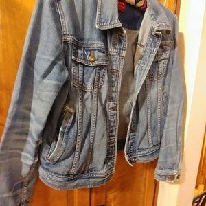 b33be7d8f6902c Chaps Jackets & Coats - Vintage 1980s comfortably distressed denim jacket